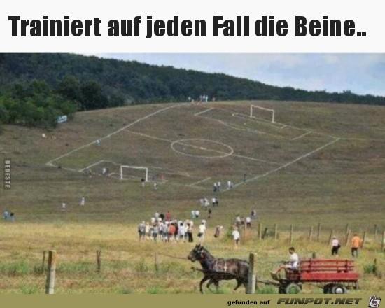 Krasses Fußballfeld