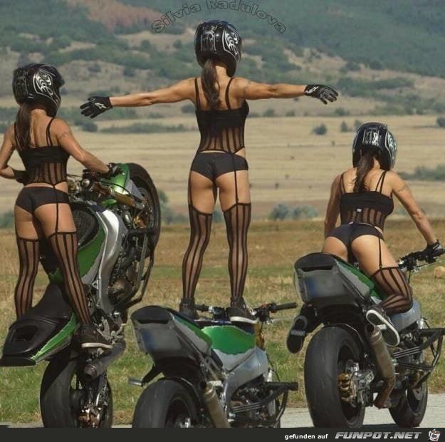 Motorrad Stunt-Woman