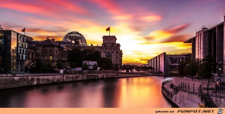 Berlin-Sonnenuntergang am Reichstag
