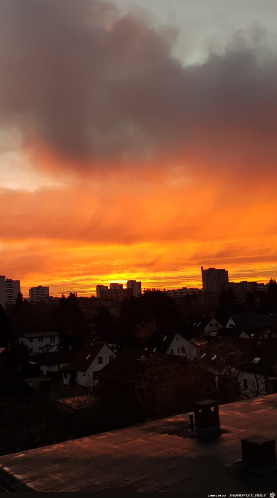 Sonnenaufgang ueber Berlin