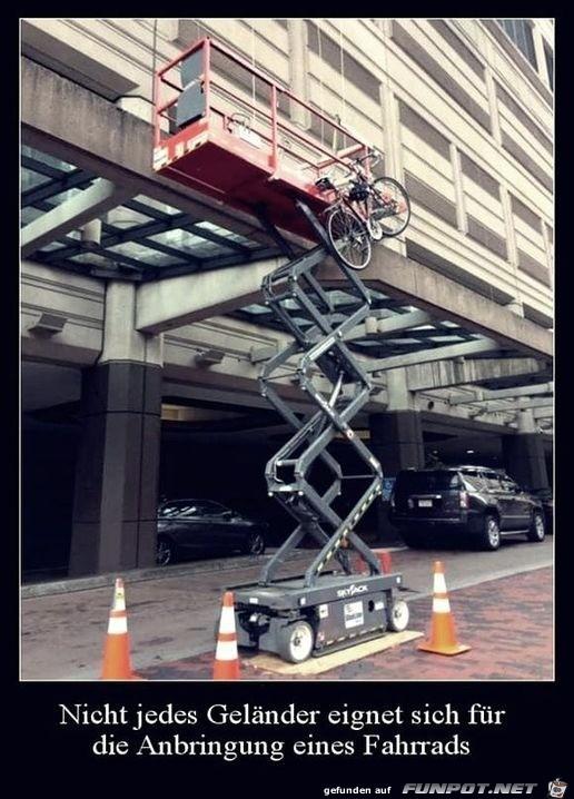 Fahrrad an falschem Geländer angeschlossen