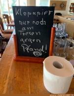 Klopapier-nur-noch-am-Tresen.jpg auf www.funpot.net