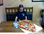 Ich-nehme-jetzt-ab--ich-esse-nur-noch-1-Stueck-Pizza.jpg auf www.funpot.net