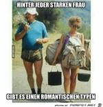 Hinter-jeder-starken-Frau-steht-ein-romantischer-Typ.....jpg auf www.funpot.net