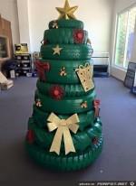 Weihnachtsbaum-in-Werkstatt.jpg auf www.funpot.net
