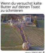 Harte-Butter-auf-einen-Toast-schmieren.jpg auf www.funpot.net