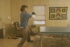 mit wem spielt der Pingpong?