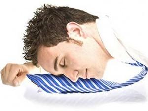 Krawatte mit aufblasbarem Kissen!