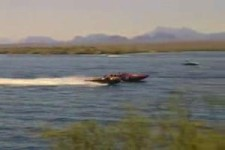 ein Auto oder ein Boot?