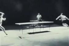 Tischtennis ohne Schläger....
