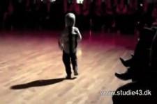 Schon mit 2 Jahren ein Star-Tänzer