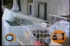 beim Putzen der Tiefkühltruhe reingefallen