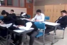 in-der-schule-schlafen