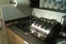 Toaster ist unguenstig plaziert