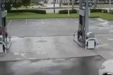 Des voleurs dans une station service -21