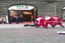 Tanz der Weihnachtsmänner