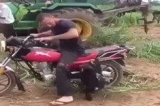 Er will unbedingt mitfahren