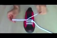So bindet man Schuhe