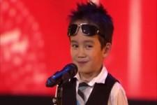 4 jähriger Junge bei der Talenteshow