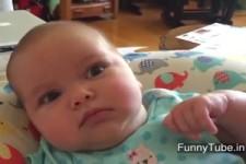 süße Reaktion wenn Mammi singt