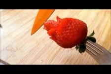 Rose aus Erdbeeren.
