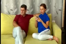 Deshalb soll man das Handy der Ehefrau nie wegnehmen...