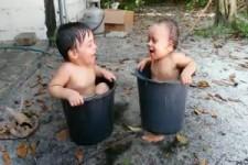 2 Buben baden