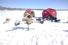 Beim Eisfischen
