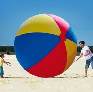 Gigantischer Strandball!