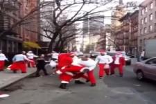 Kleiner Weihnachtsmann-Streit