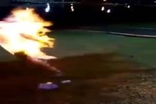 ER spielt mit Feuer