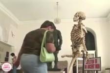 Das Skelett - Versteckte Kamera