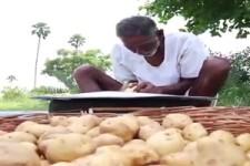 Opa reist über die Dörfer, und macht Pommes für arme Kinder