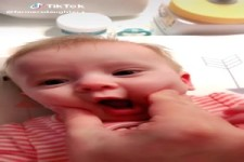 Lustiges Baby