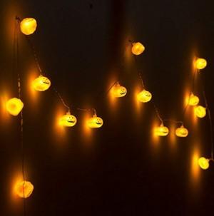 Lustige Kürbis-Lichtergirlande!