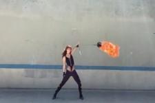 Die Frau mit dem Feuer