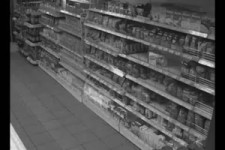 Kampf am Supermarkt-Regal