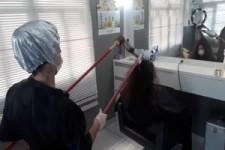 Besondere Methode die Haare zu föhnen