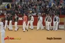 Stierkampf mit Akrobatik