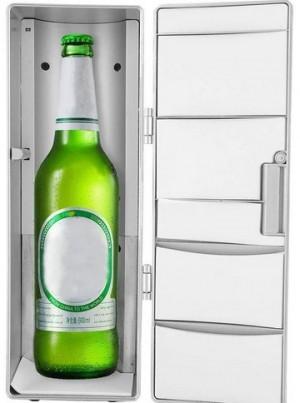 Mini-Getränke-Kühlschrank für den...