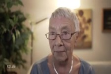 Oma lernt Streaming-Dienste