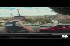 Sportwagen vs Polizei, sehr klug...