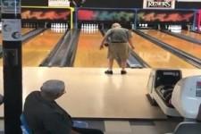 Bowling mit 100 Jahren