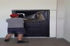 so kann man eine Türe auch öffnen
