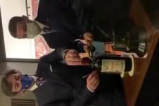 Eine Flasche sauber öffnen