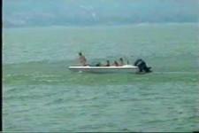 Hubschrauber im Wasser