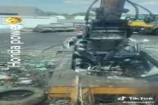 Ein Auto zerlegen